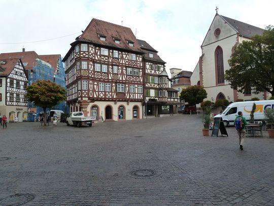 Im Zentrum von Mosbach, hinten das Haus Palm.