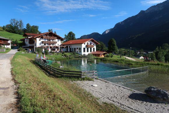 Naturteich des Hotels Reissenlehen.